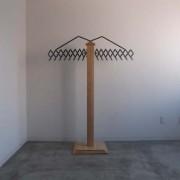 ユニクロメッキ仕上げ/木部分:タモ無垢材
